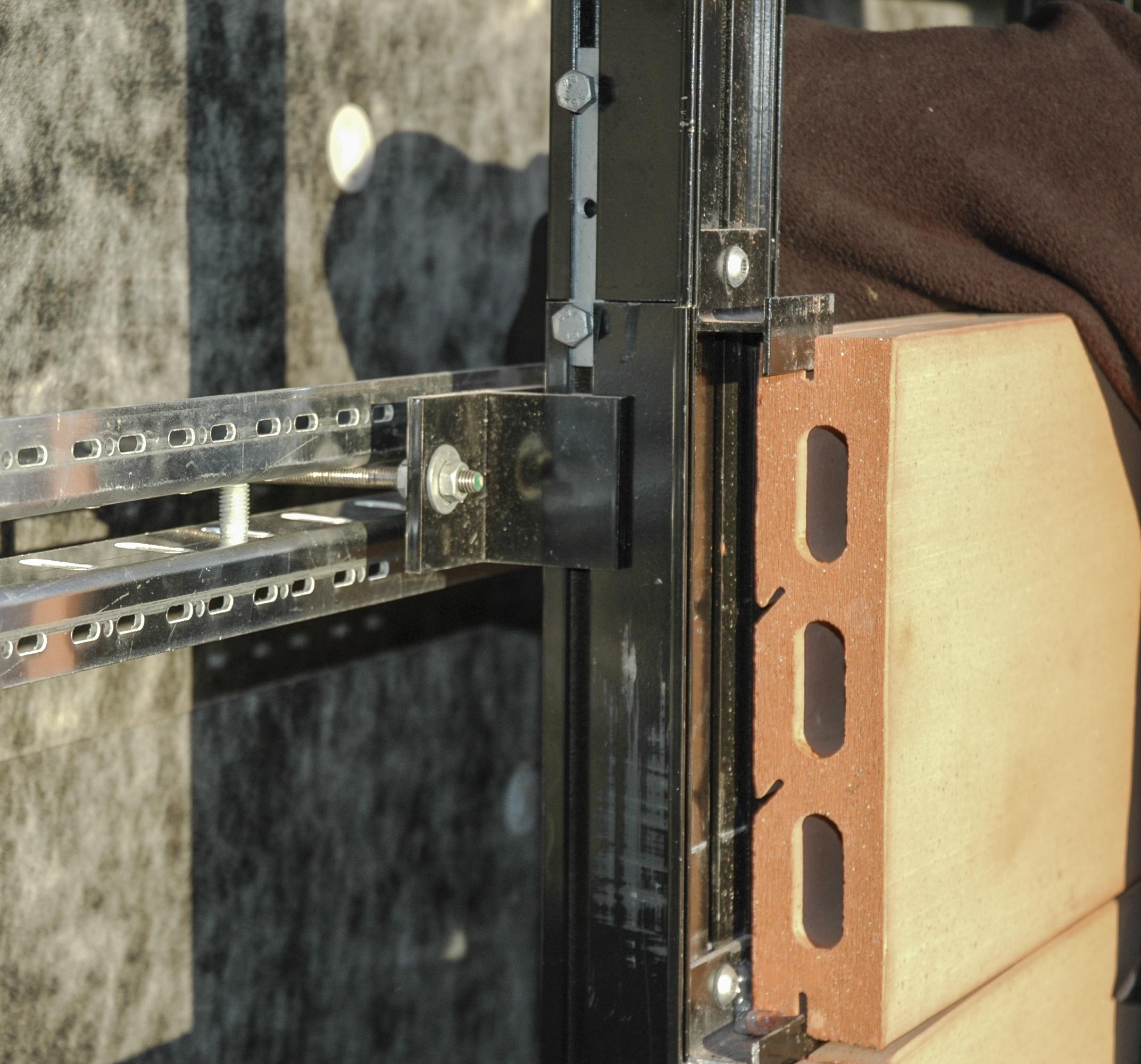 Facciate Ventilate In Cotto Sistemi Meccanici Di Ancoraggio